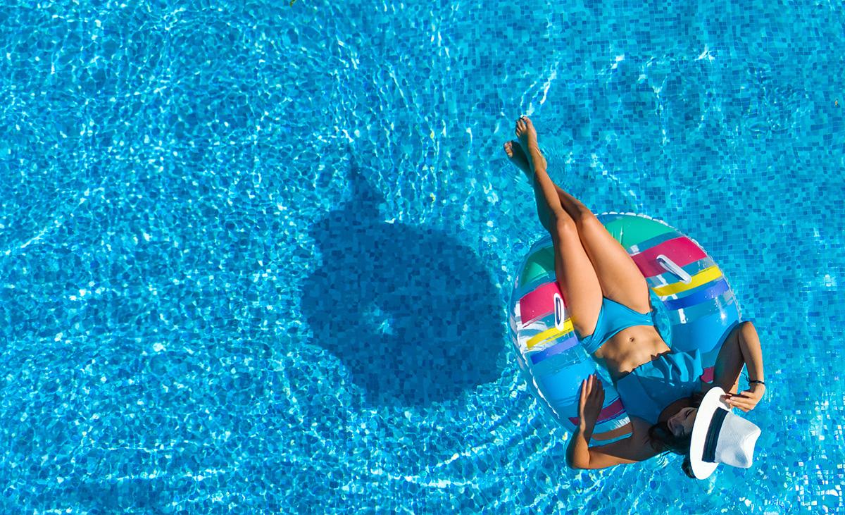 la-piscina-in-giardino-2