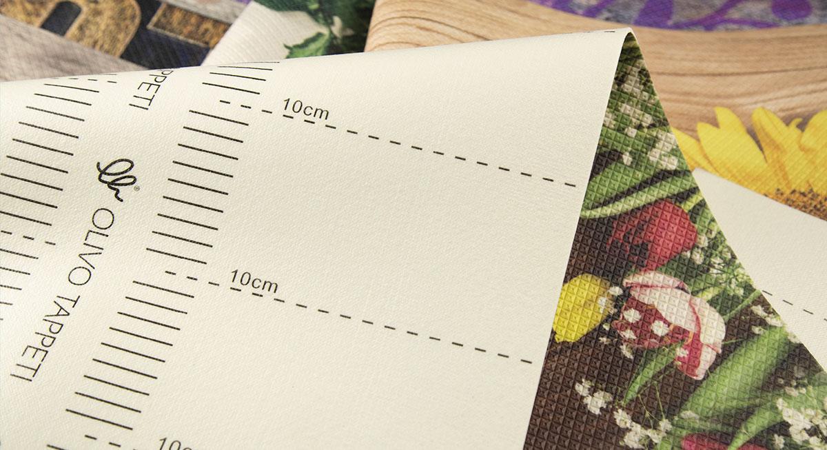 Decor-la-corsia-su-misura-con-retro-centimetrato