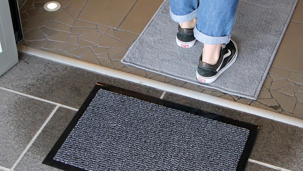 casa-è-un-luogo-sicuro-e-pulito-tappeti