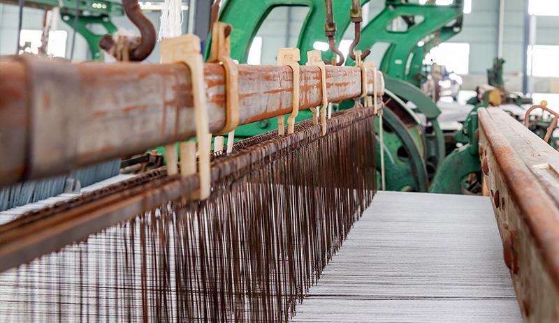 fiera-del-bianco-i-tappeti-per-la-casa-telaio-meccanico